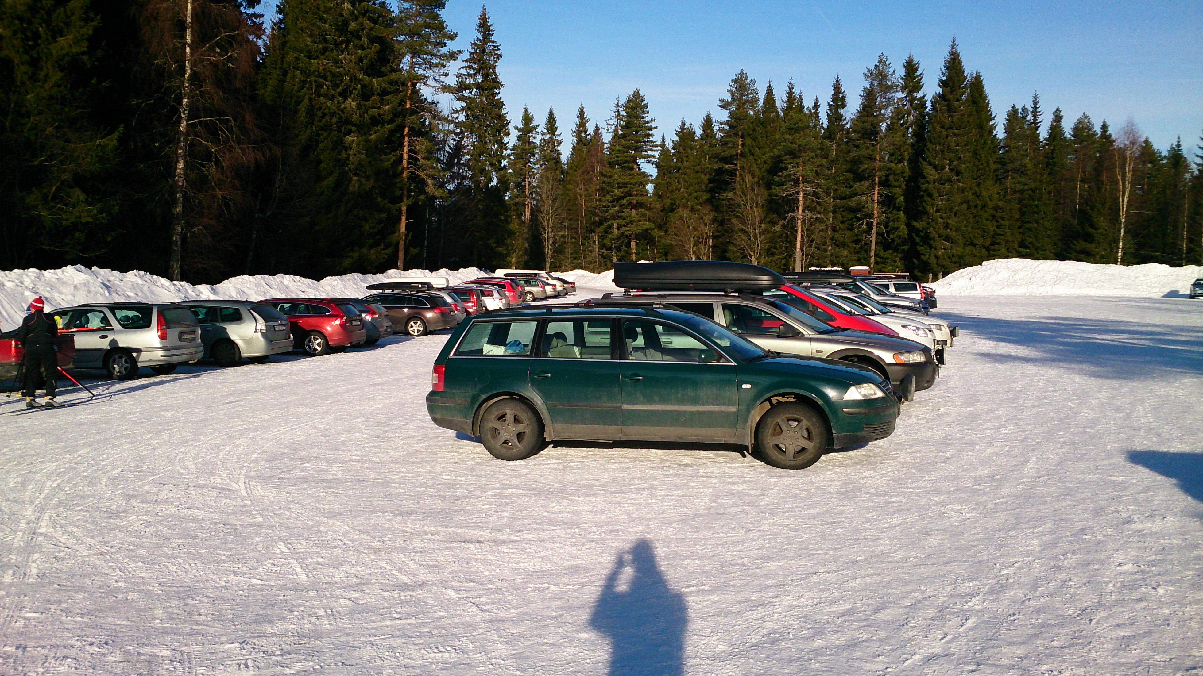 Det var många som ville åka skidor i finvädret!