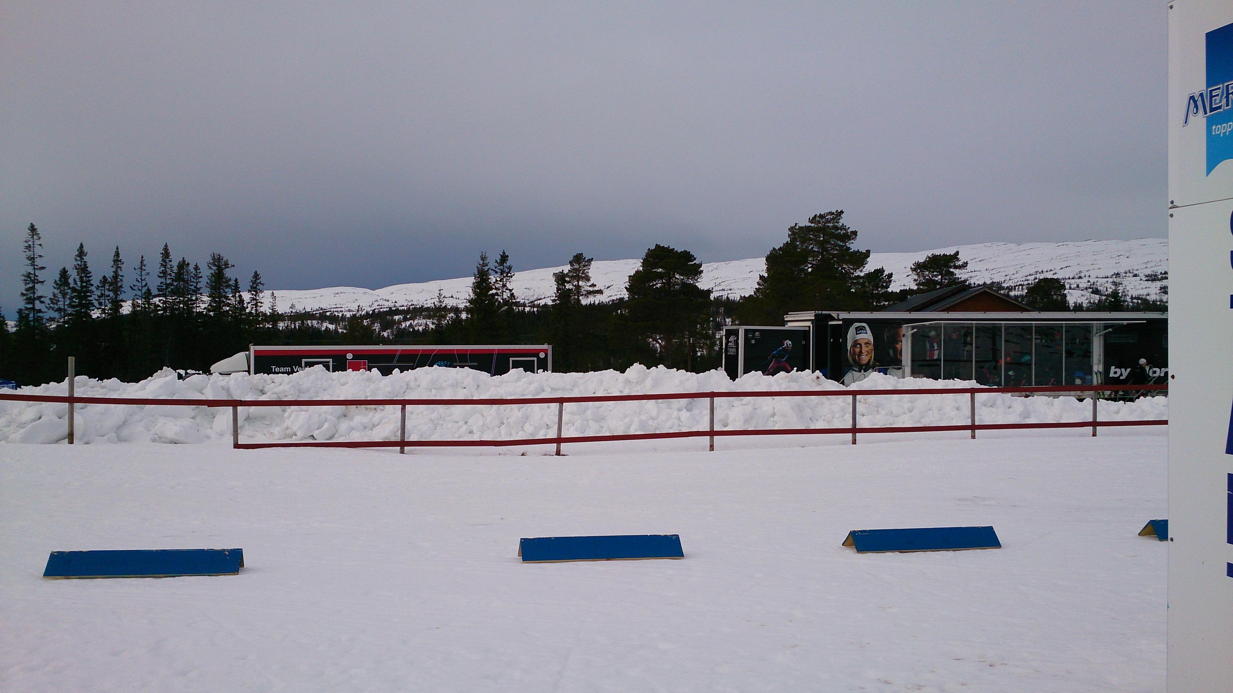 """Upploppet från sidan, med den """"lilla"""" Norska vallatrailern i bakgrunden"""