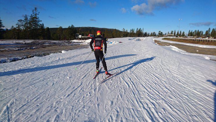 Skidor utomhus på Idre Fjäll 29 oktober